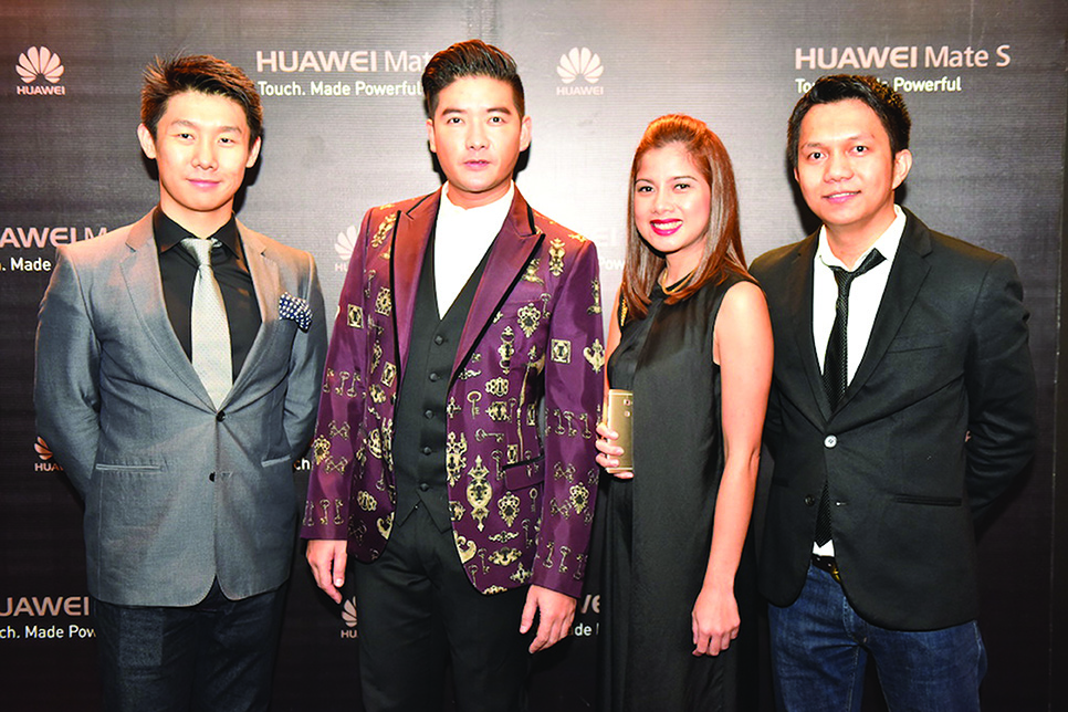Huawei Philippines Country Manager Charles Wu, Sr. Marketing Manager Corinne Bacani and Country Marketing Manager Al Dimapilis with Huawei Mate S' influencer Tim Yap