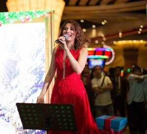 3.Karylle at the Christmas Tree Lighting of City of Dreams Manila