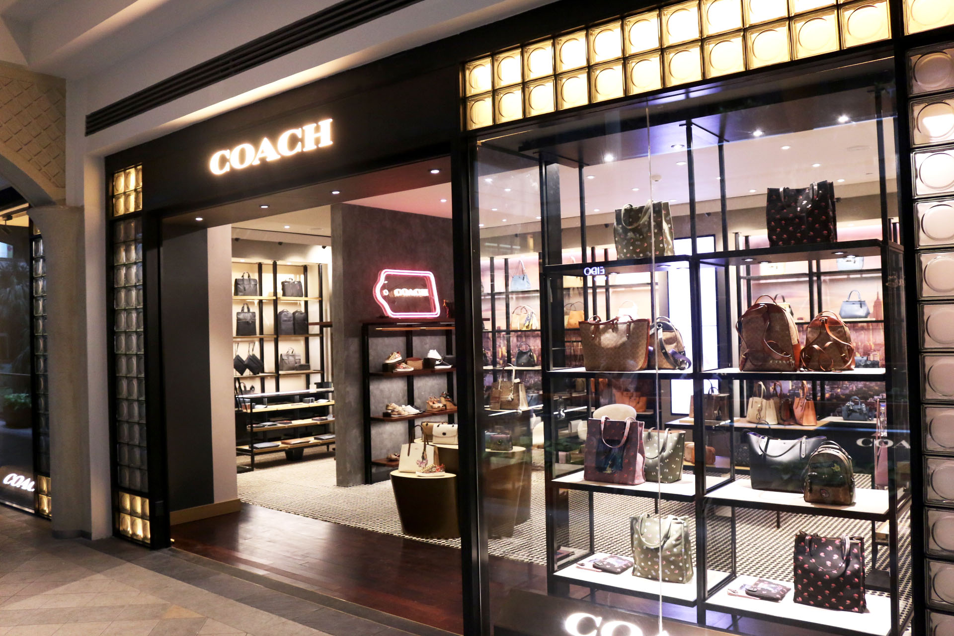 f16bb73ec700 Coach opens sixth store in PH at Power Plant Mall